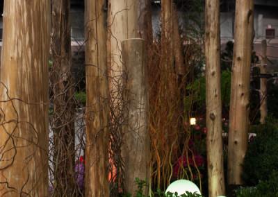 Sculptural Cedar Post Divide with Living Willow Fill